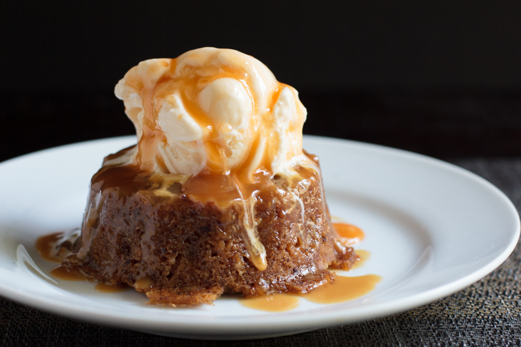 vanilla date cake in a slow cooker