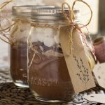 Easy homemade hot chocolate mix that's a perfect last minute gift. Bonus link to free gift tag printable.