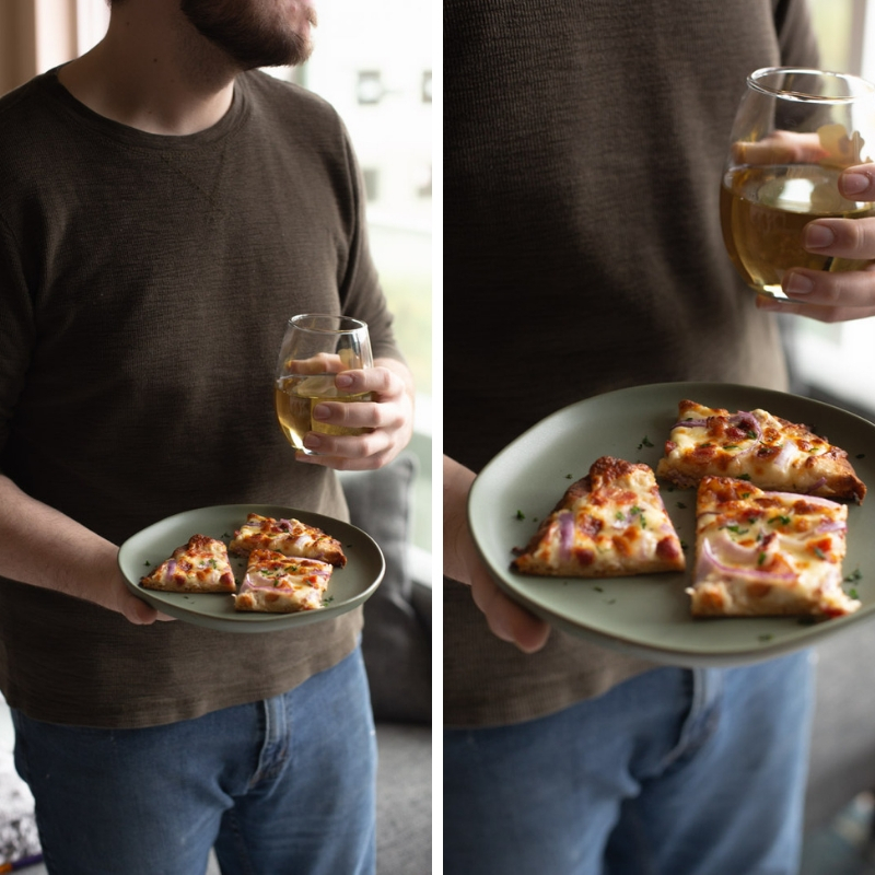 #AD Make Time for Friends and Family with Wente wines, paired with garlic pizza. #MakeTime