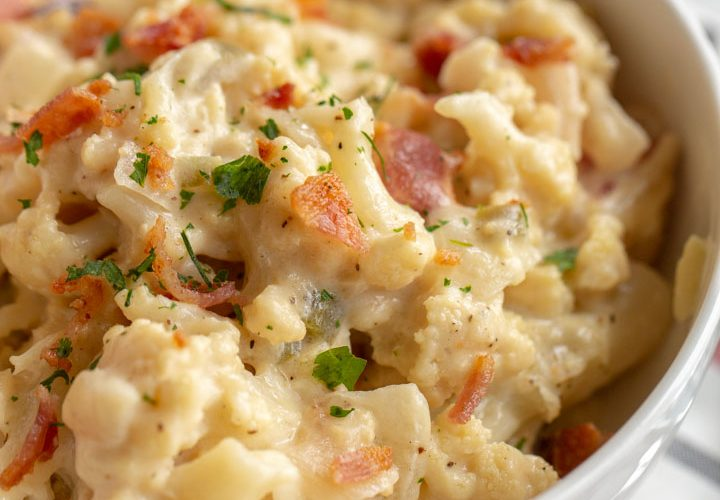 bacon jalapeno cauliflower mac and cheese in a bowl